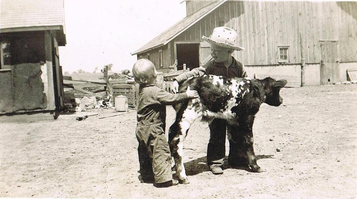 May 21, 1942; Daddy, Howard and calf (2)